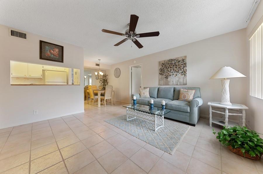7233 Golf Colony Court 203 Lake Worth, FL 33467 photo 3