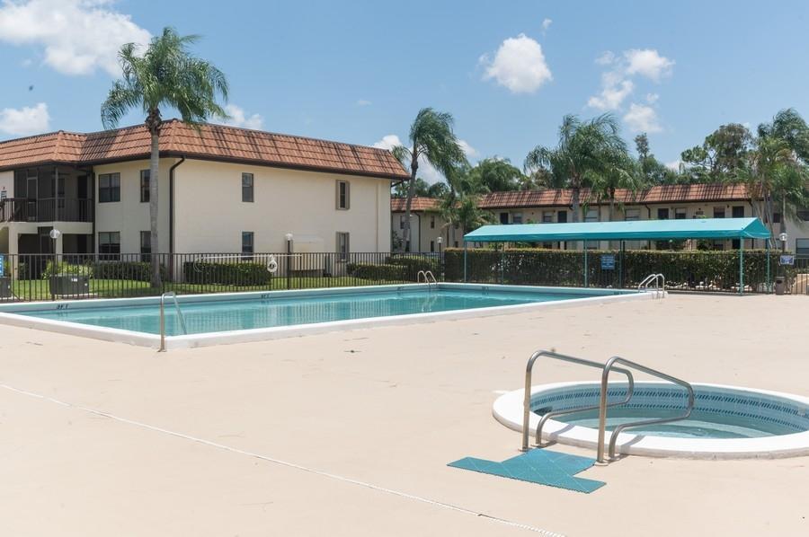 7233 Golf Colony Court 203 Lake Worth, FL 33467 photo 16