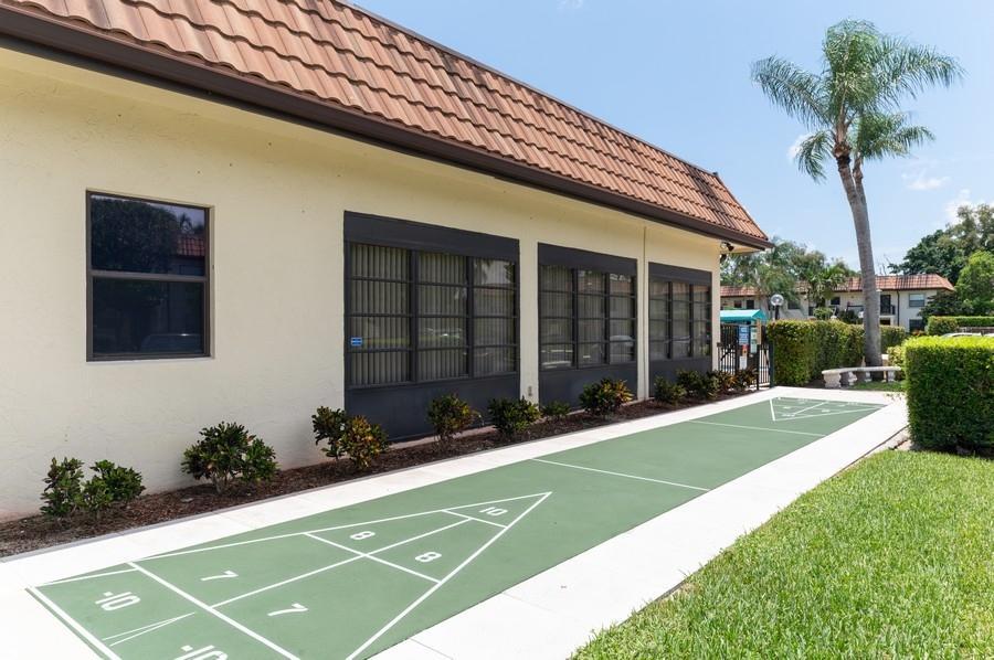 7233 Golf Colony Court 203 Lake Worth, FL 33467 photo 18