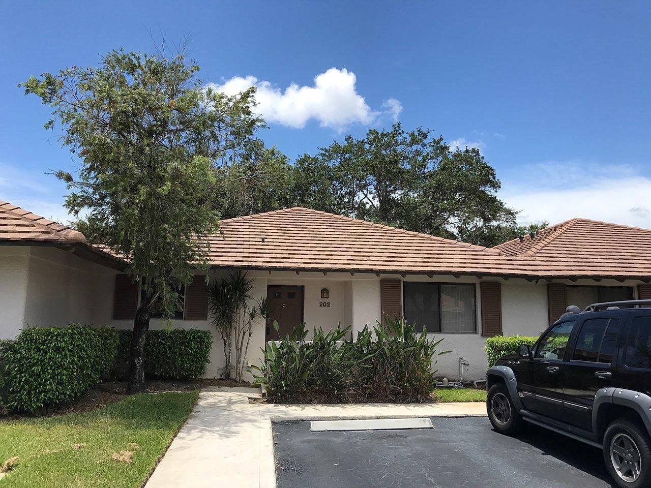 202 Club Drive, Palm Beach Gardens, Florida 33418, 2 Bedrooms Bedrooms, ,2 BathroomsBathrooms,F,Villa,Club,RX-10678519