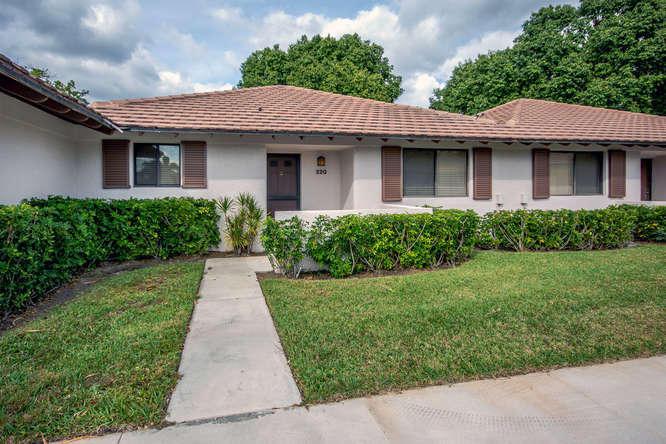 220 Club Drive 220, Palm Beach Gardens, Florida 33418, 2 Bedrooms Bedrooms, ,2 BathroomsBathrooms,F,Villa,Club,RX-10678901