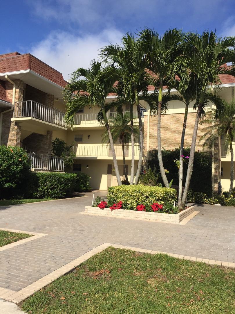 5500 Tamberlane Circle 104  Palm Beach Gardens FL 33418