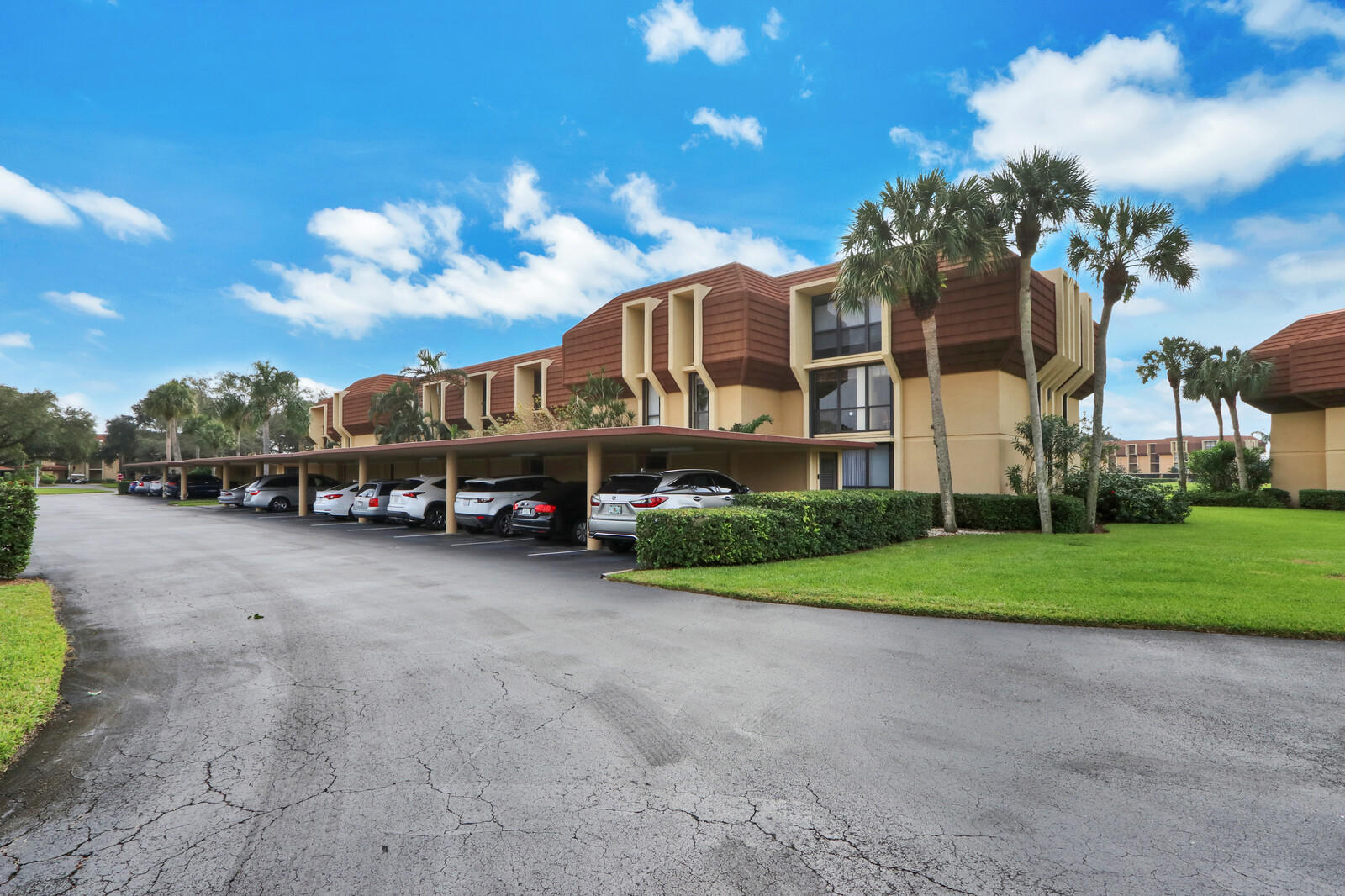 Home for sale in WOODLAND LAKES Palm Beach Gardens Florida