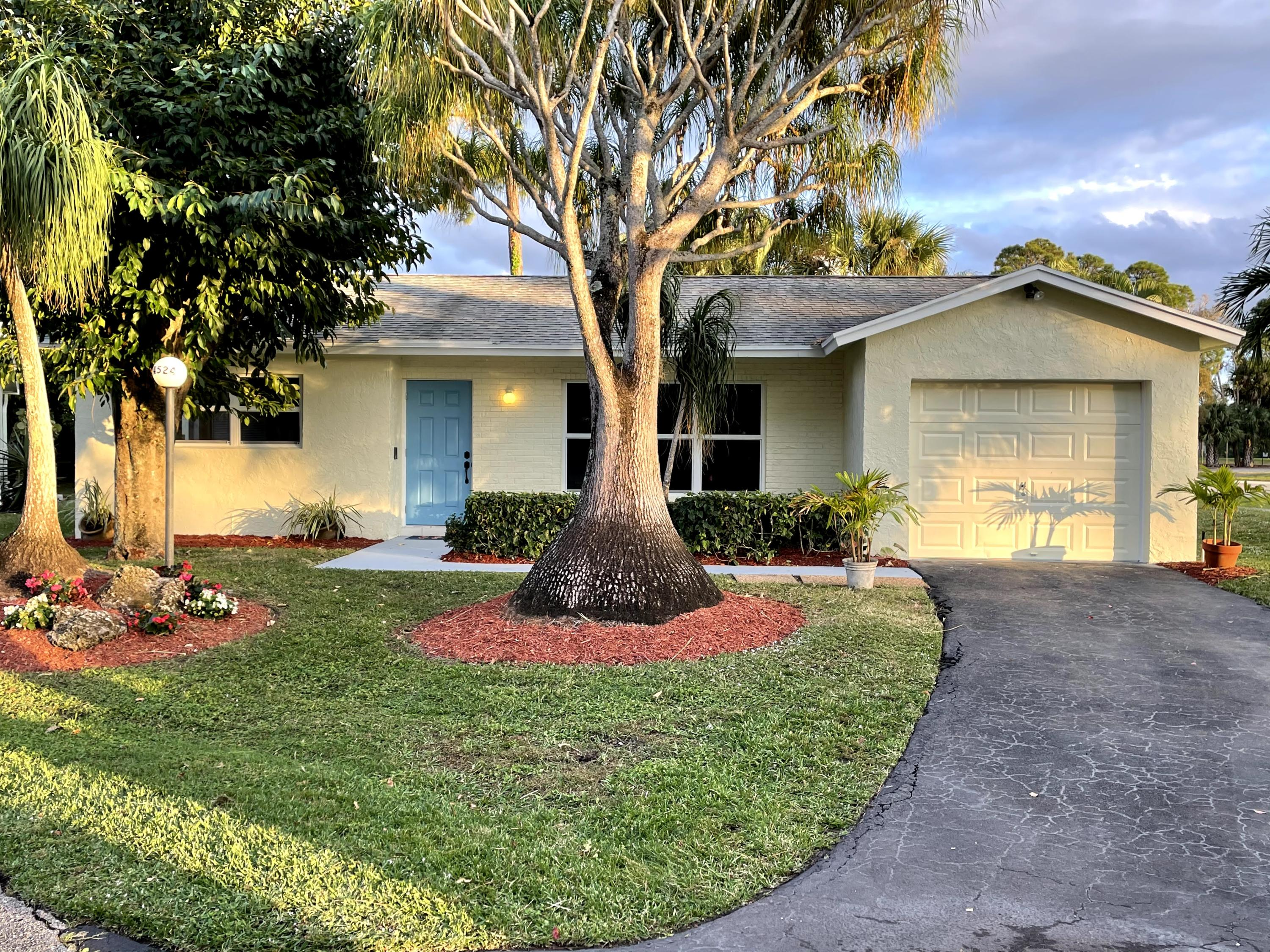 4524 Pine Park Drive Lake Worth, FL 33467