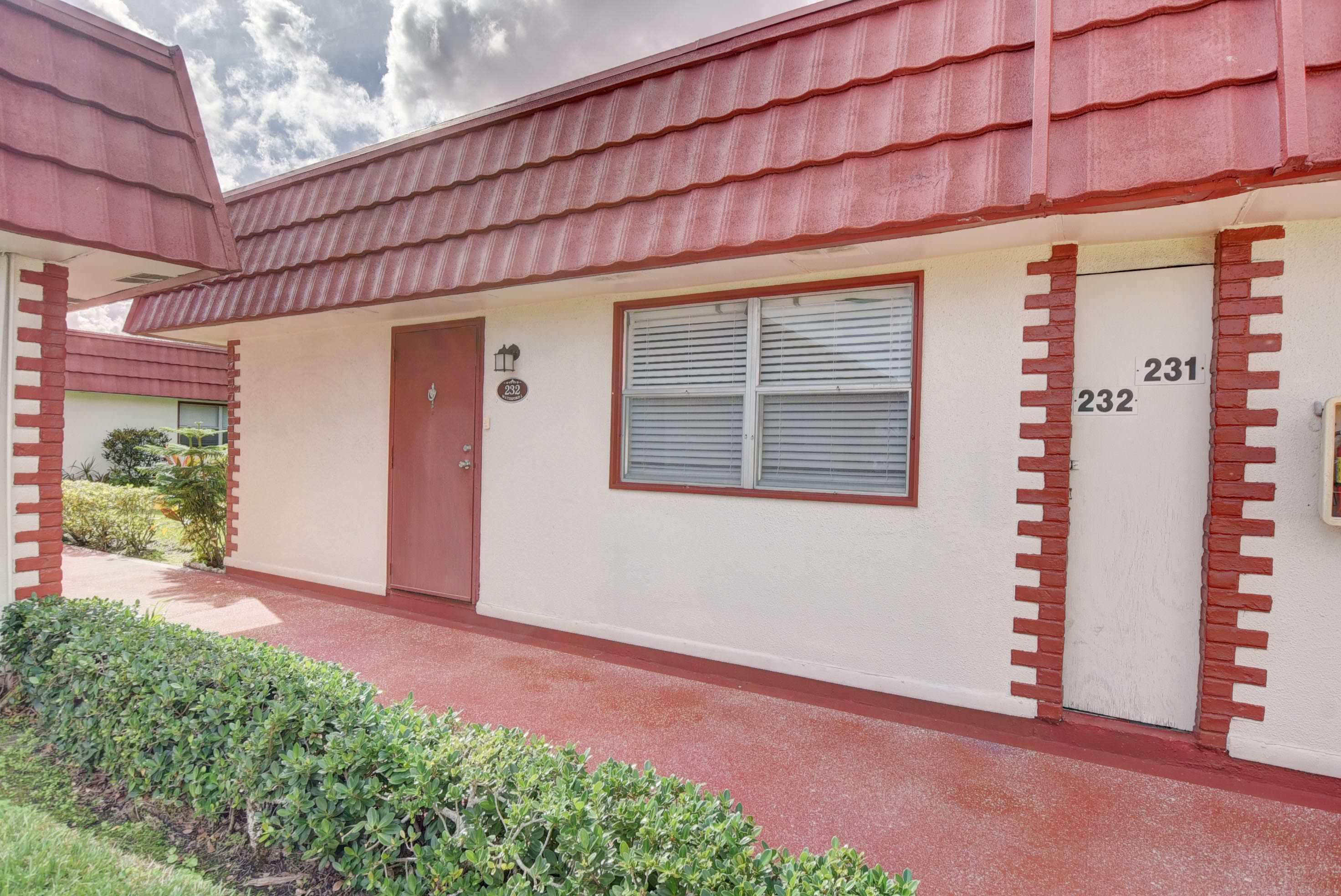 232 Waterford J Delray Beach, FL 33446 small photo 2