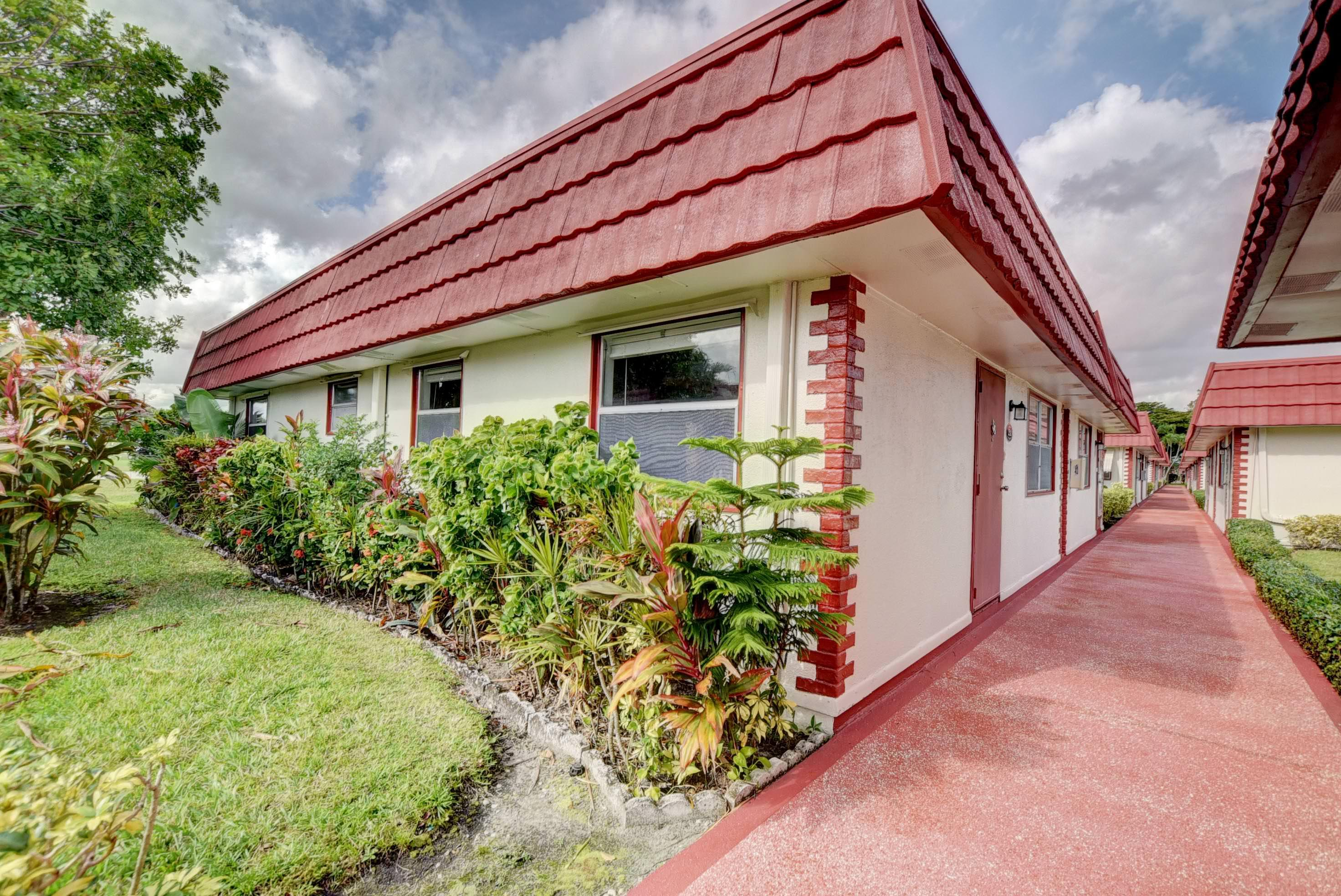 232 Waterford J Delray Beach, FL 33446 small photo 3
