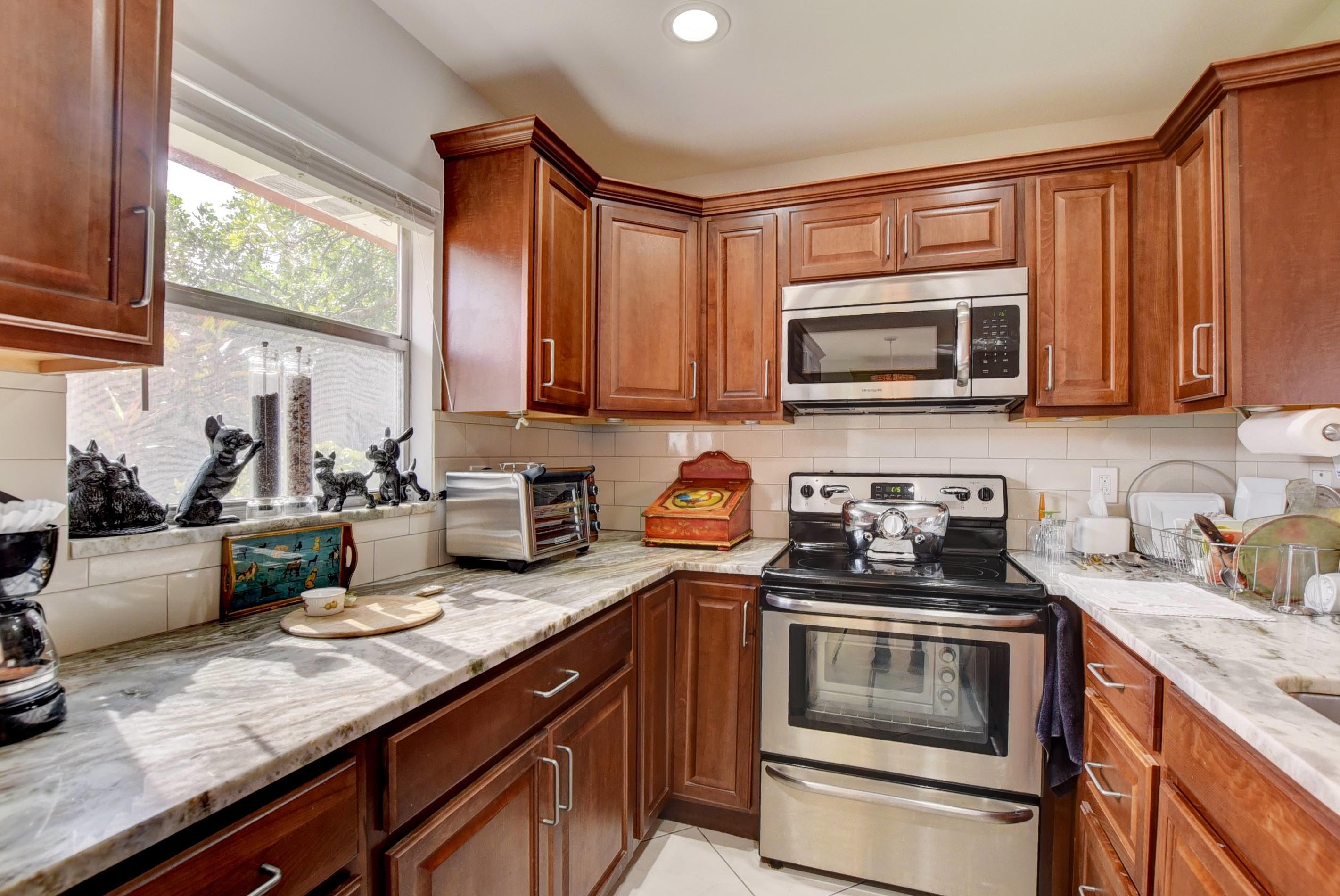 232 Waterford J Delray Beach, FL 33446 small photo 14
