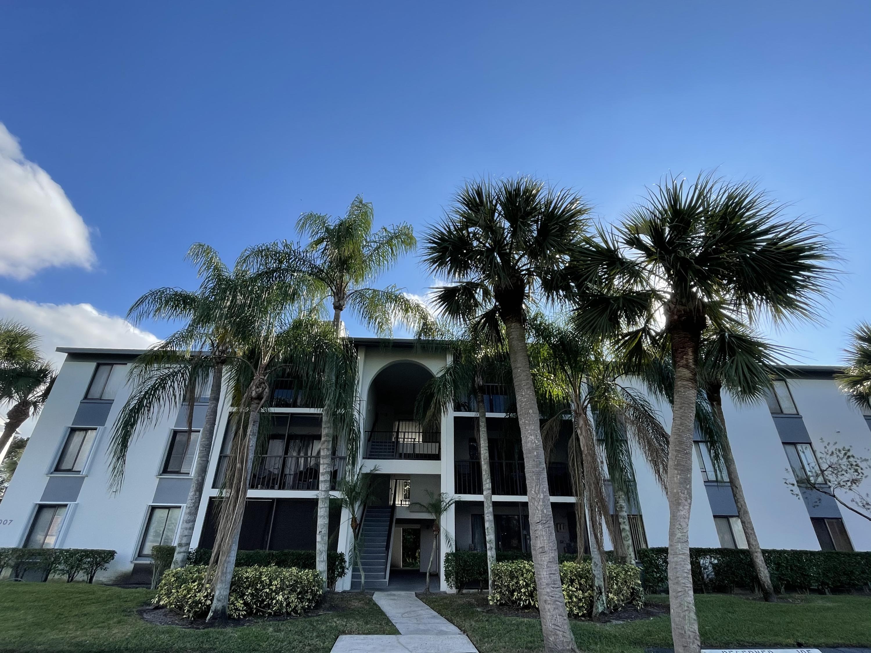 1007 Green Pine Boulevard D2 West Palm Beach, FL 33409