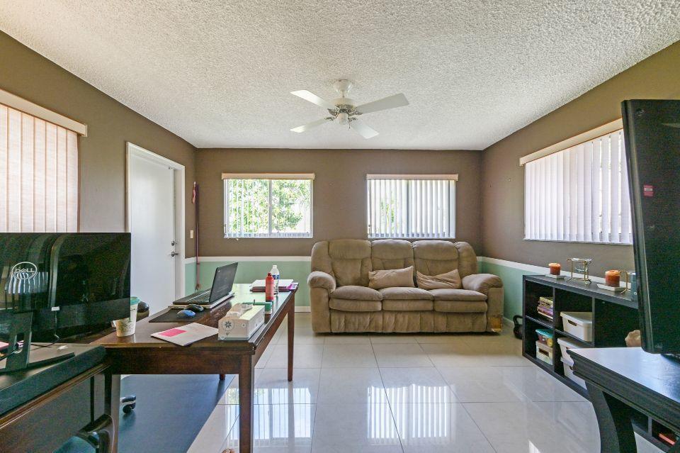 8165 Winnipesaukee Way Lake Worth, FL 33467 photo 6