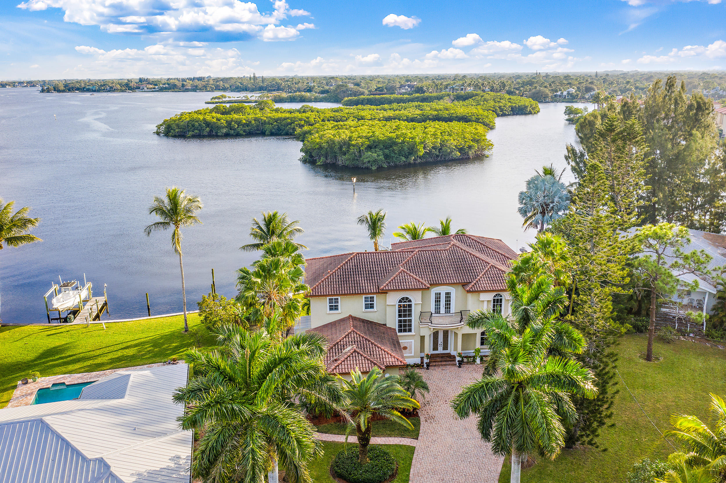Home for sale in Cove Point Tequesta Florida