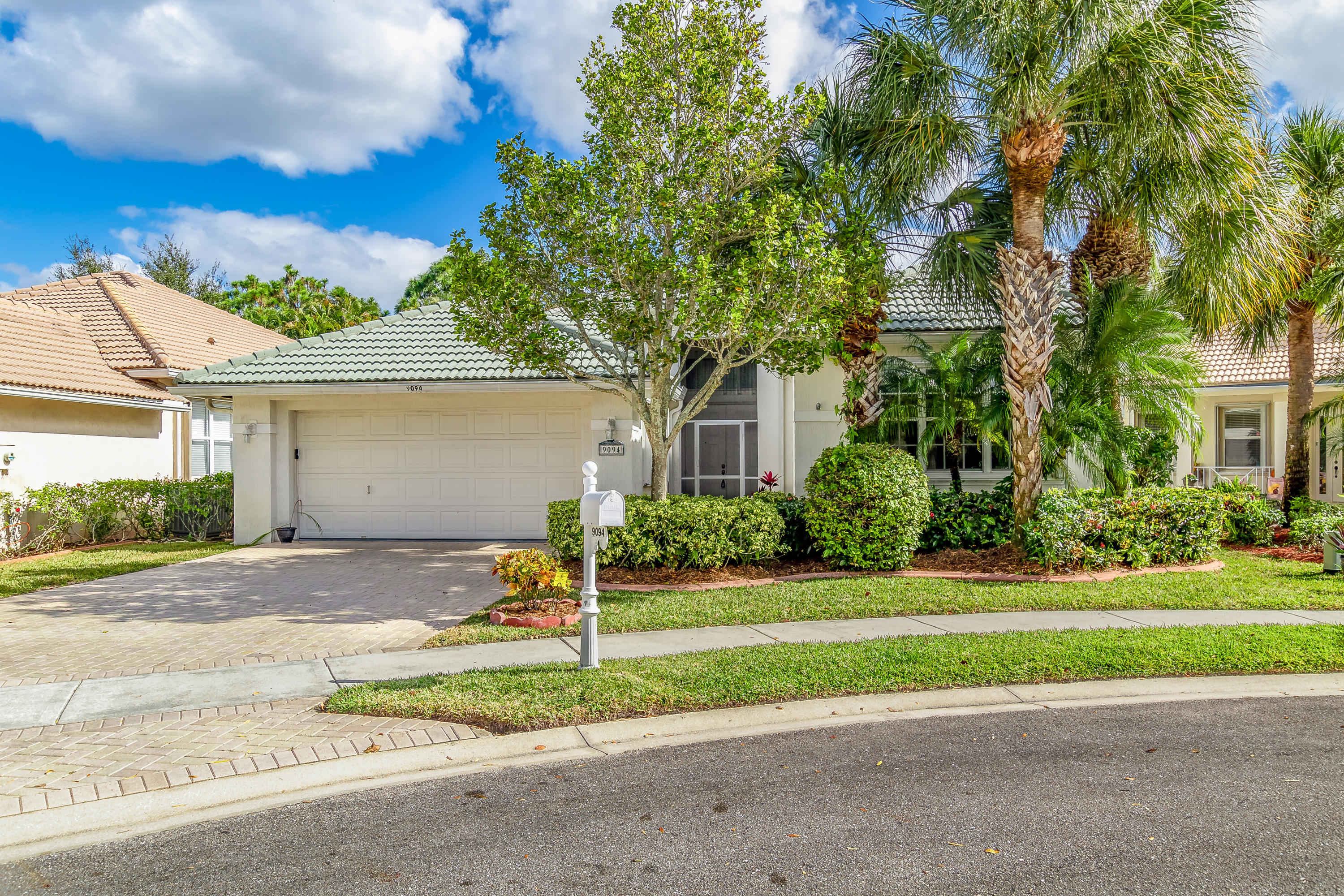 9094 Bay Harbour Circle West Palm Beach, FL 33411 photo 2