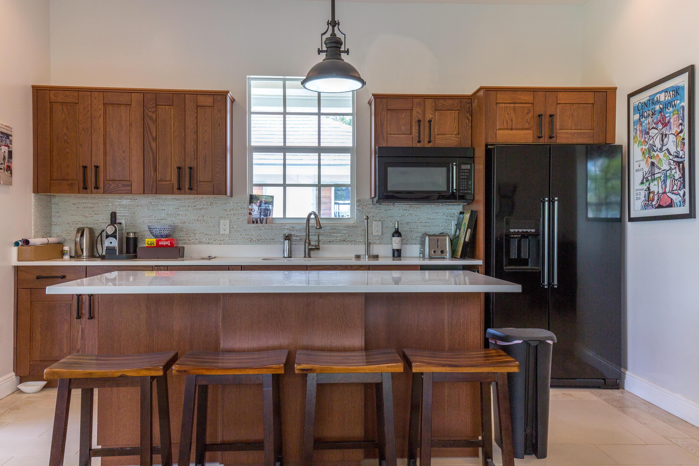 Lounge Kitchen 2