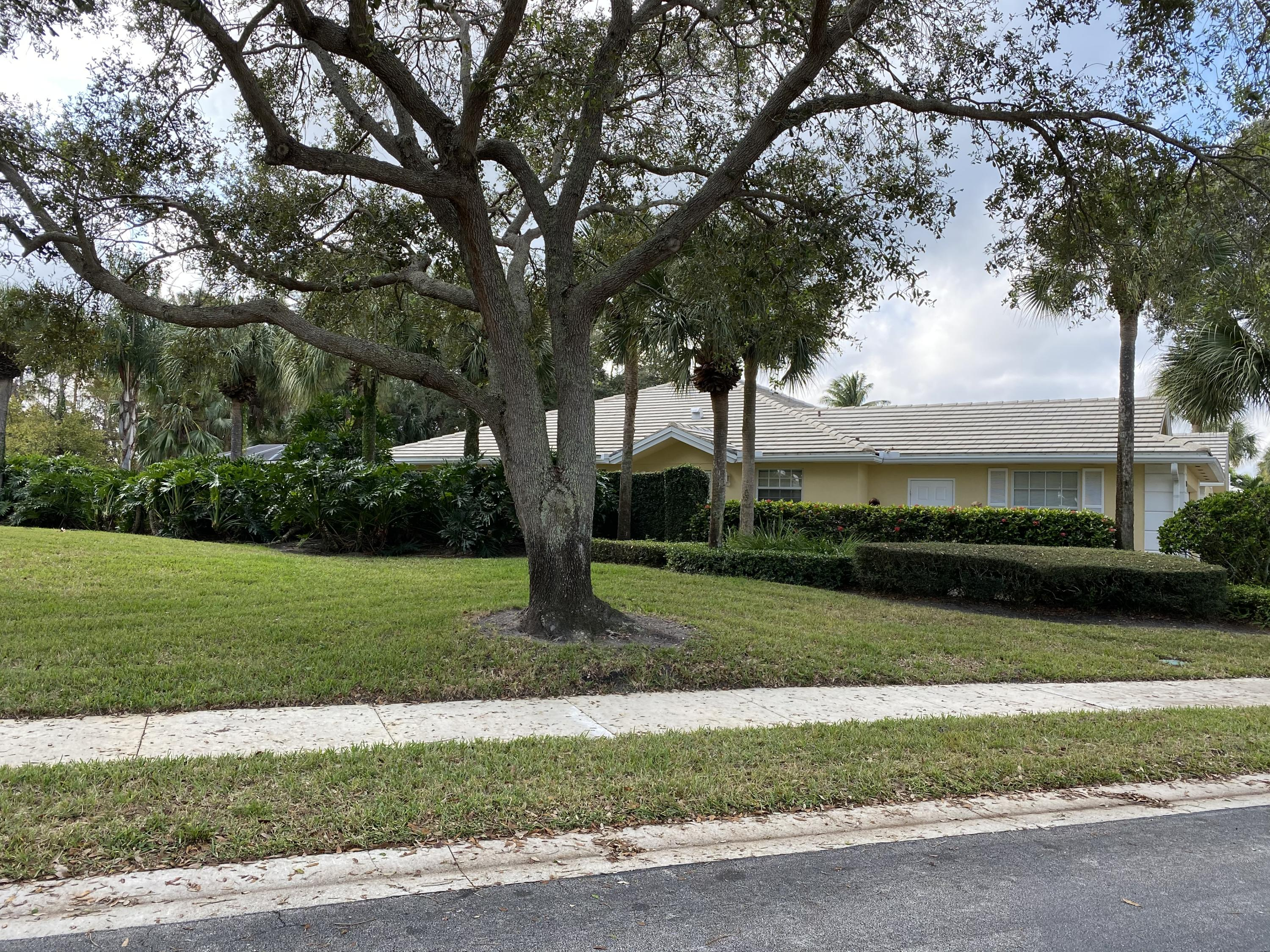 4368 Lacey Oak Drive Palm Beach Gardens, FL 33410