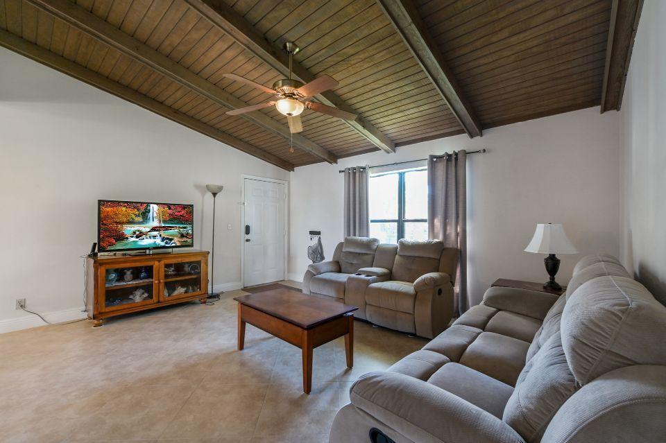 2 Via De Casas Sur 201 Boynton Beach, FL 33426 photo 6