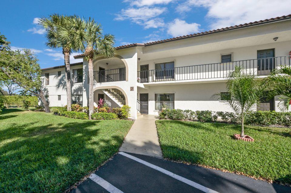 2 Via De Casas Sur 201 Boynton Beach, FL 33426