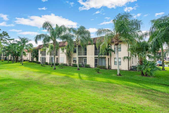 7113 Golf Colony Court 202 Lake Worth, FL 33467 photo 15