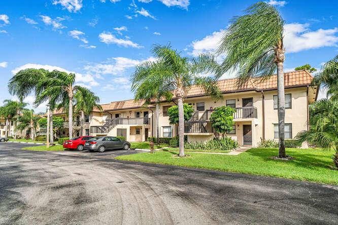 7113 Golf Colony Court 202 Lake Worth, FL 33467 photo 18
