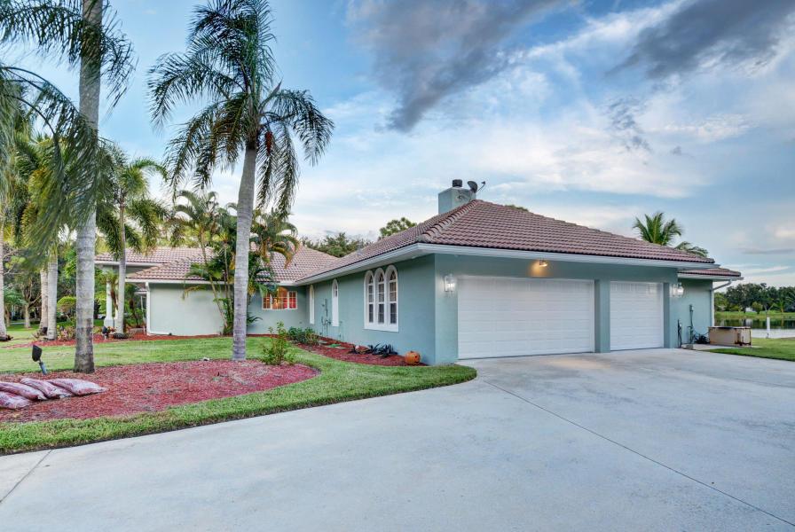 8902 E Estate Drive Wellington, FL 33411 photo 25