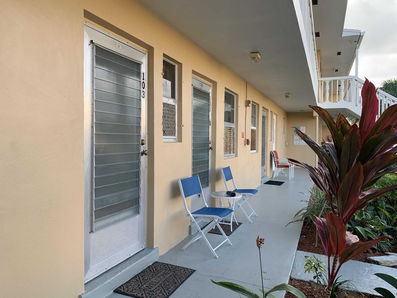 2101 NE 1st Court 103  Boynton Beach FL 33435