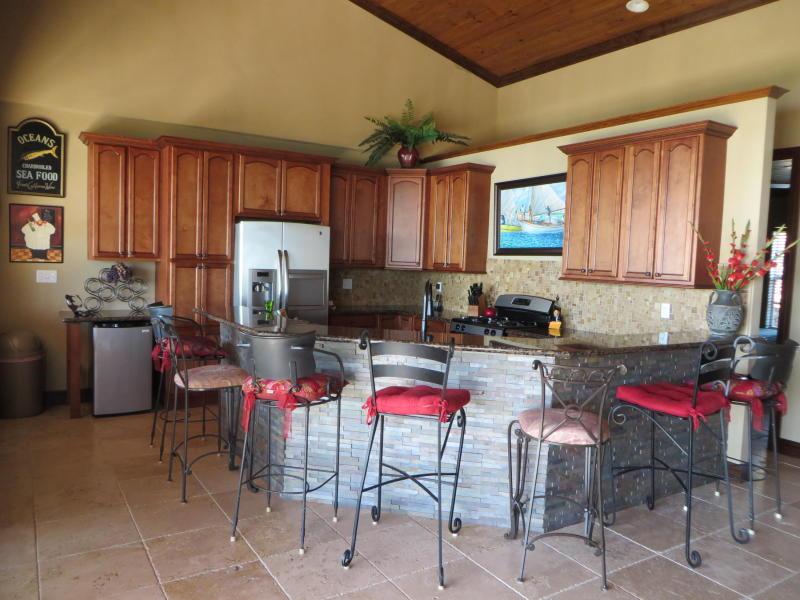 6 Bayshore Kitchen