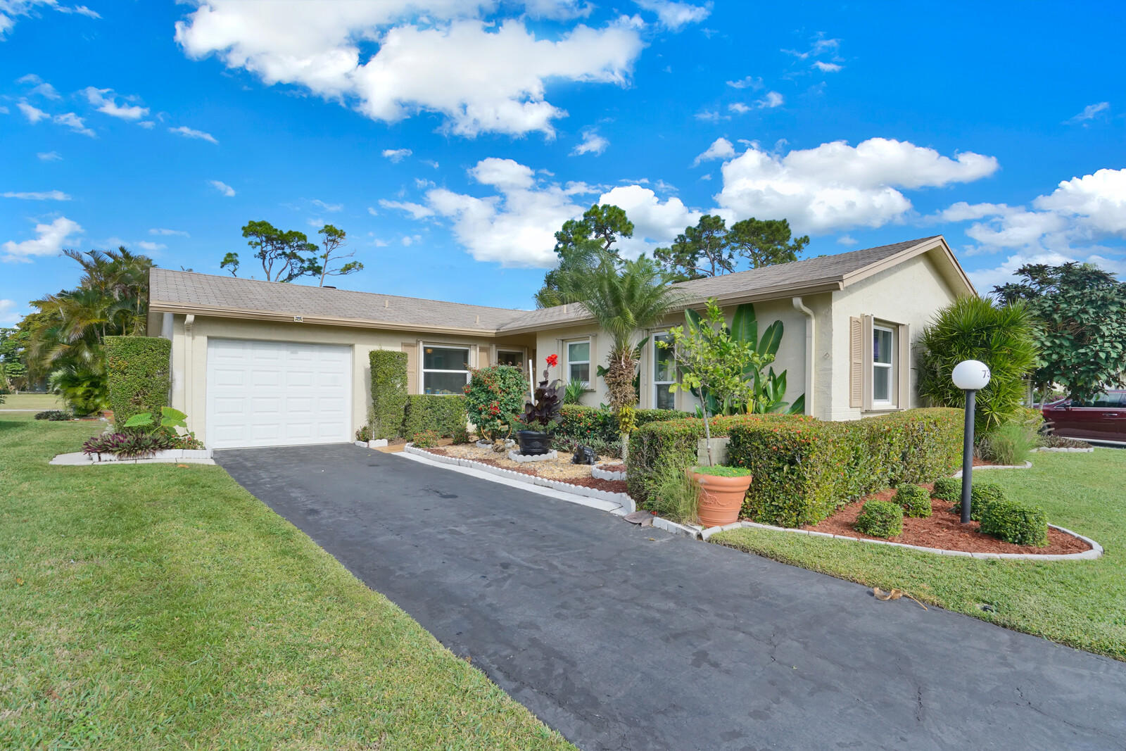 Home for sale in Lucerne Lakes Lake Worth Florida