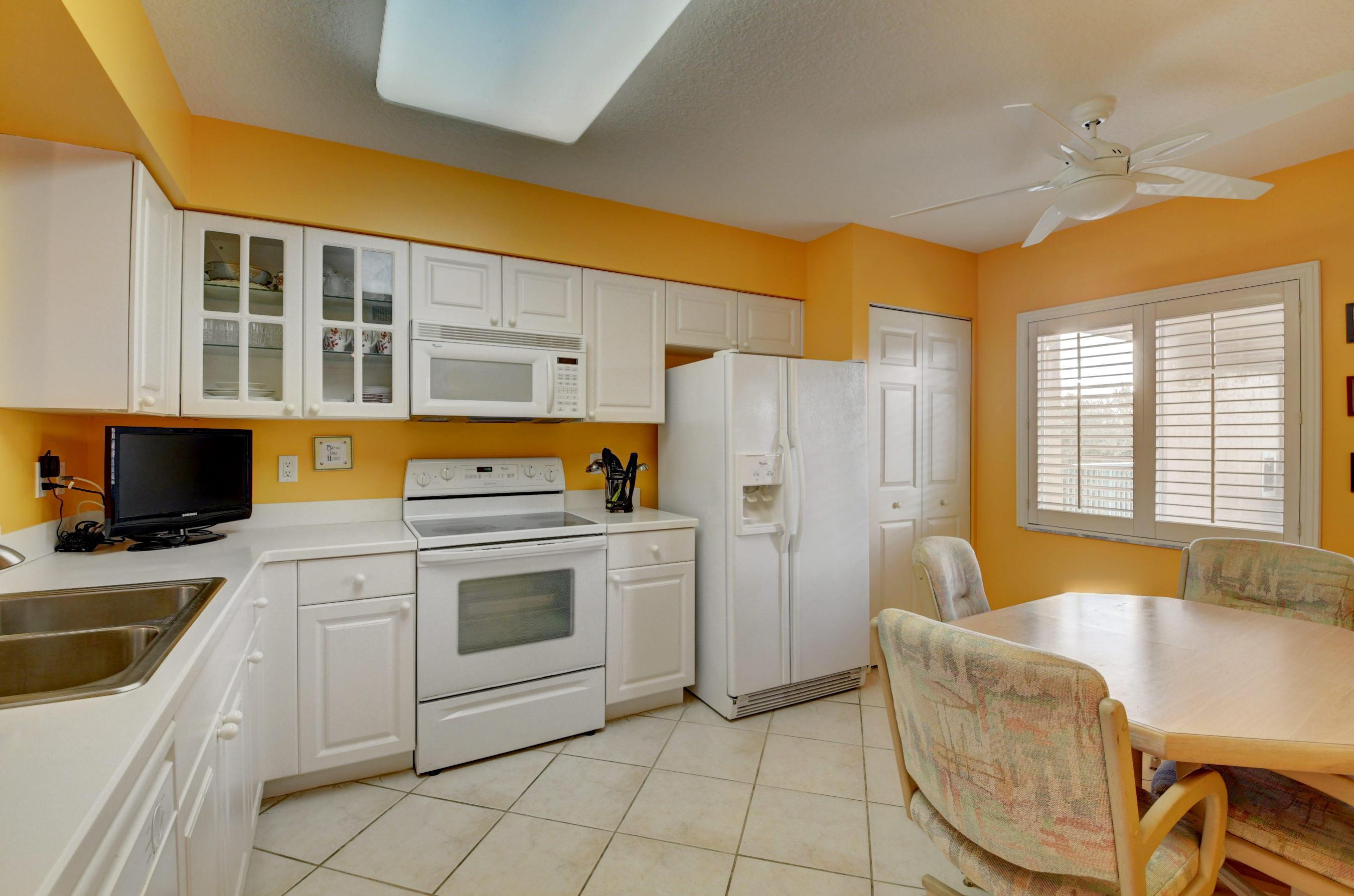 5749 Gemstone Court 404 Boynton Beach, FL 33437 photo 14