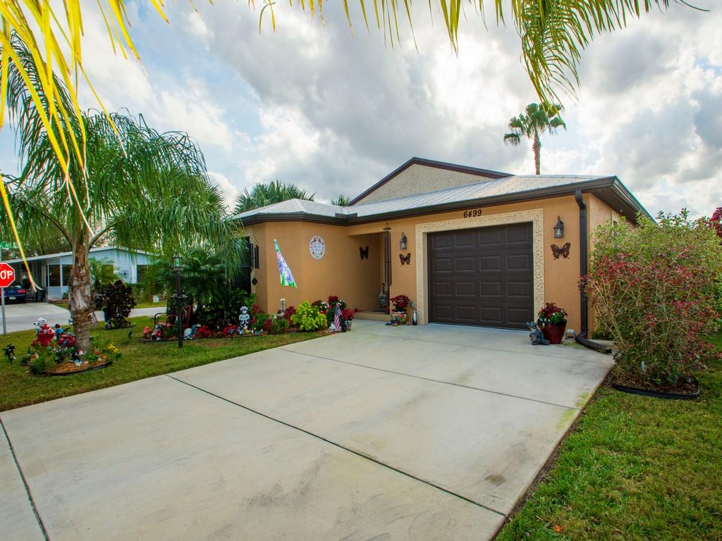 Home for sale in SPANISH LAKES FAIRWAYS LEASEHOLD ESTATES Fort Pierce Florida