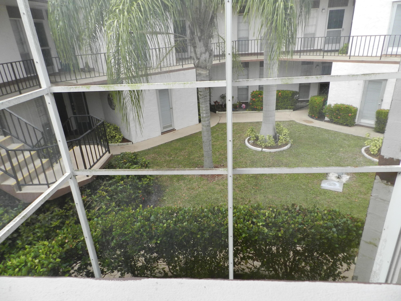 4 N Greenway Village 206 Royal Palm Beach, FL 33411 photo 15