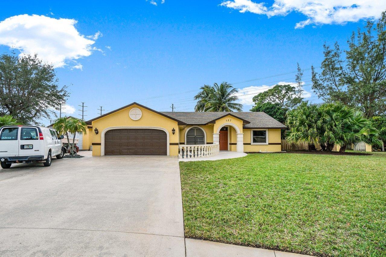 127 Jay Court Royal Palm Beach, FL 33411