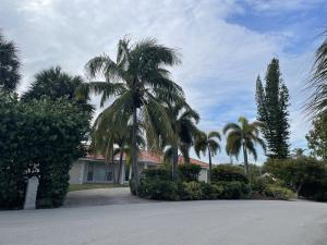 Beautiful and rare gem in the heart of the Island town of Ocean Ridge with deeded beach access. Waterfront 4 bedroom 2 bathroom home situated on just  half an acre of land (21,353 SF). This property features stunning views, an open layout to maximize the view of the water, two car garage, a 16,000 pound boat lift, a jetski lift, deck, plenty of driveway space, and much much more!