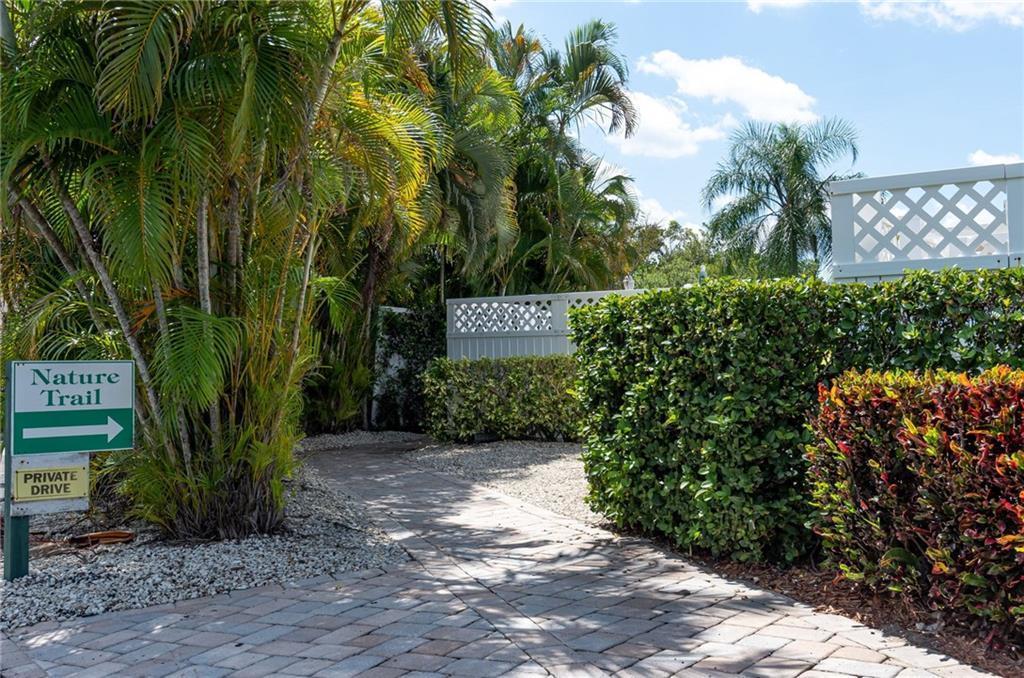 424 Grove Isle Circle, Vero Beach, Florida 32962, 2 Bedrooms Bedrooms, ,2 BathroomsBathrooms,Residential,For Sale,Grove Isle,RX-10686188