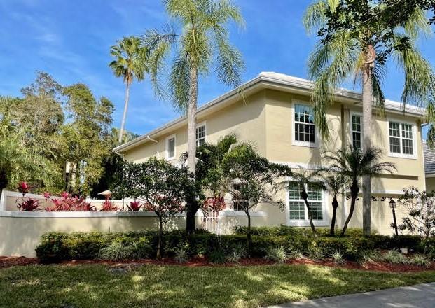 215 Canterbury Drive Palm Beach Gardens, FL 33418