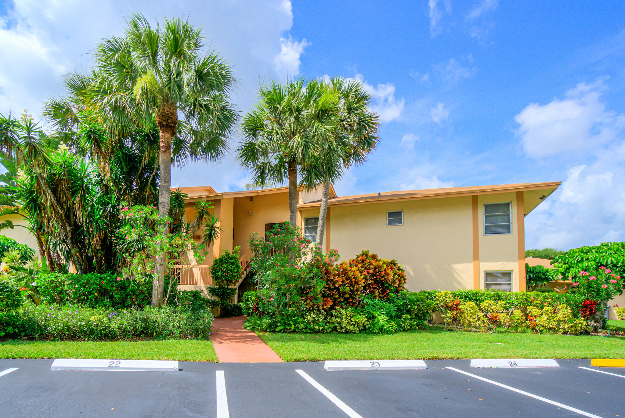 5660 Spindle Palm Court A  Delray Beach FL 33484
