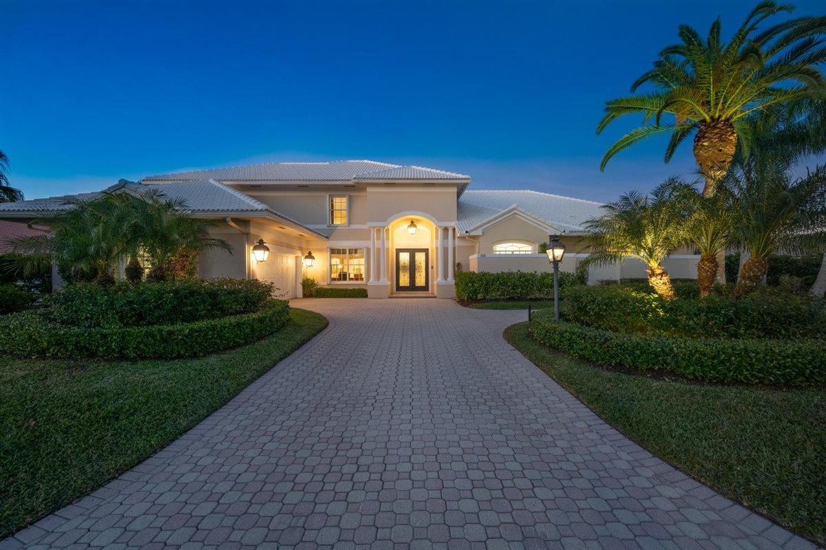 Photo of 105 Sandbourne Lane, Palm Beach Gardens, FL 33418