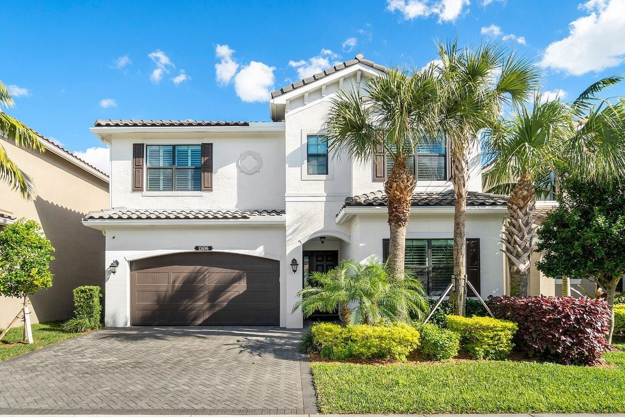 13696 Moss Agate Avenue Delray Beach, FL 33446