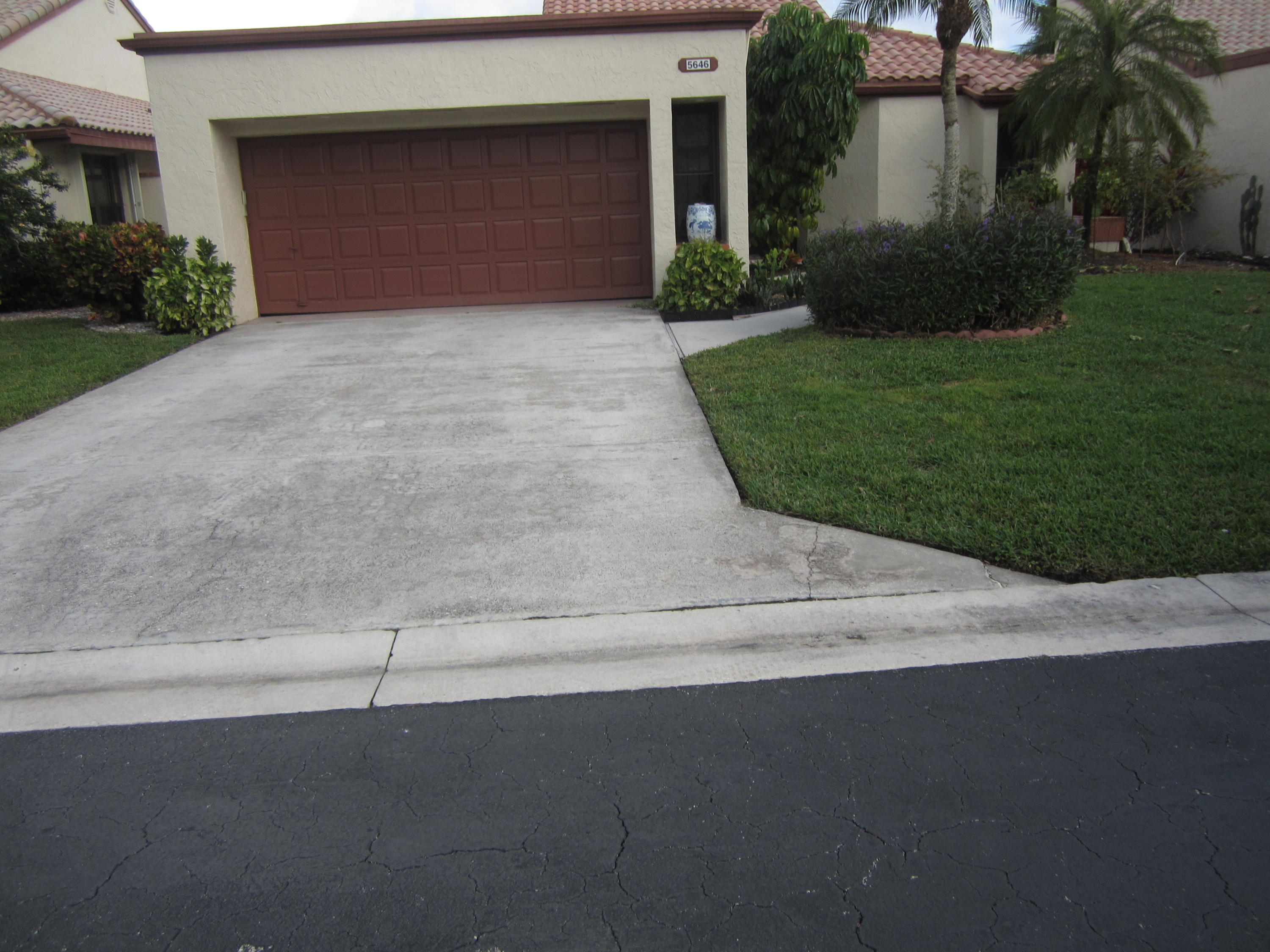 5646 Kiowa Circle Boynton Beach, FL 33437 photo 1