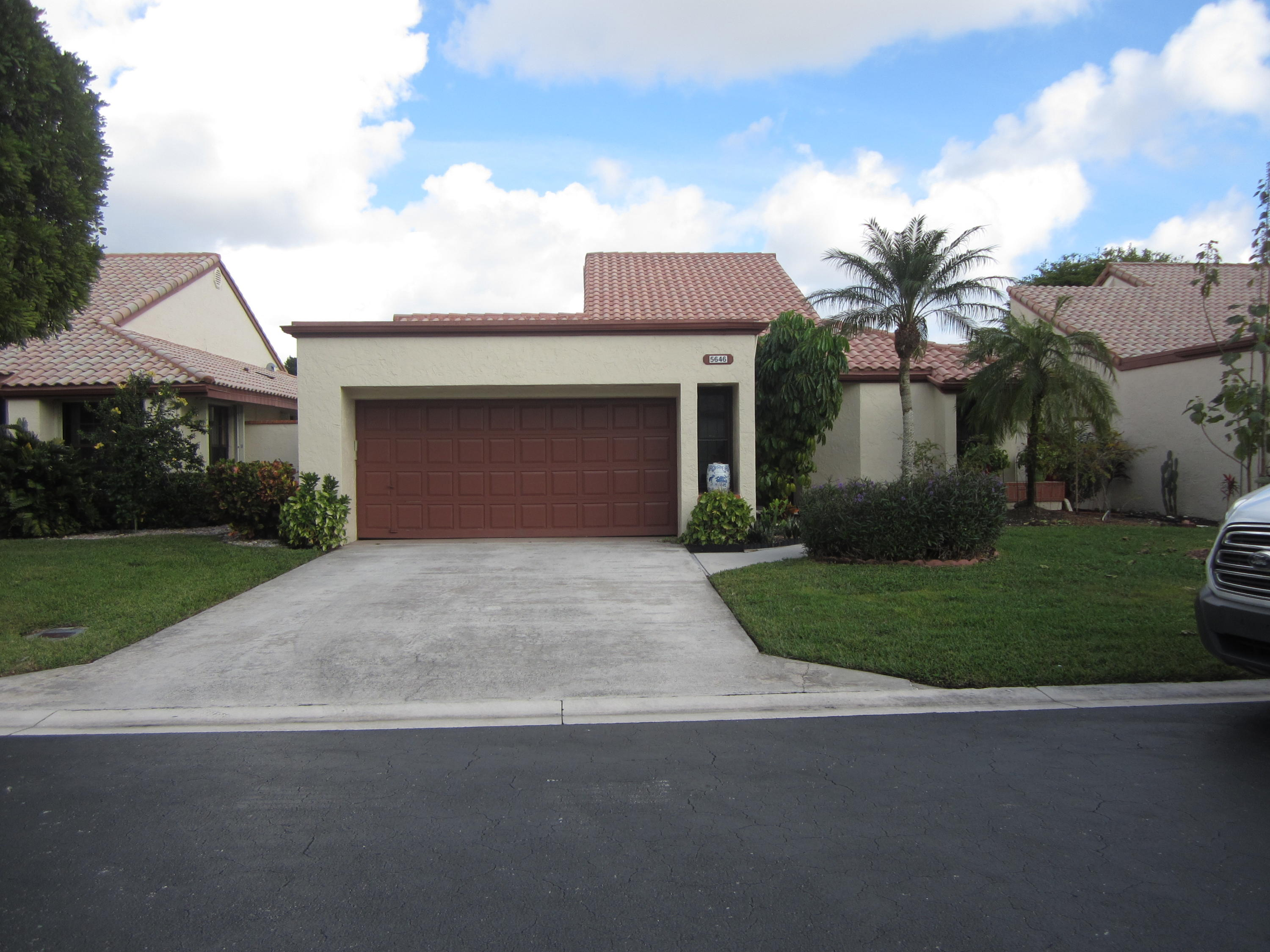 5646 Kiowa Circle Boynton Beach, FL 33437 photo 2