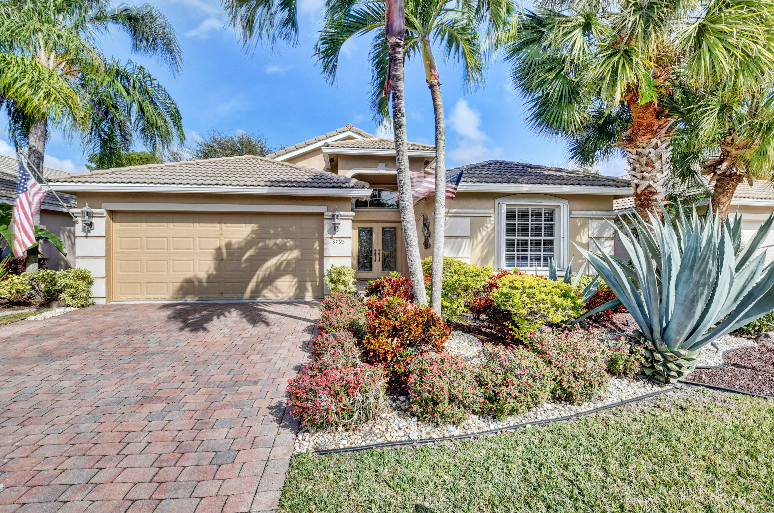 9795 Donato Lake Worth FL 33467