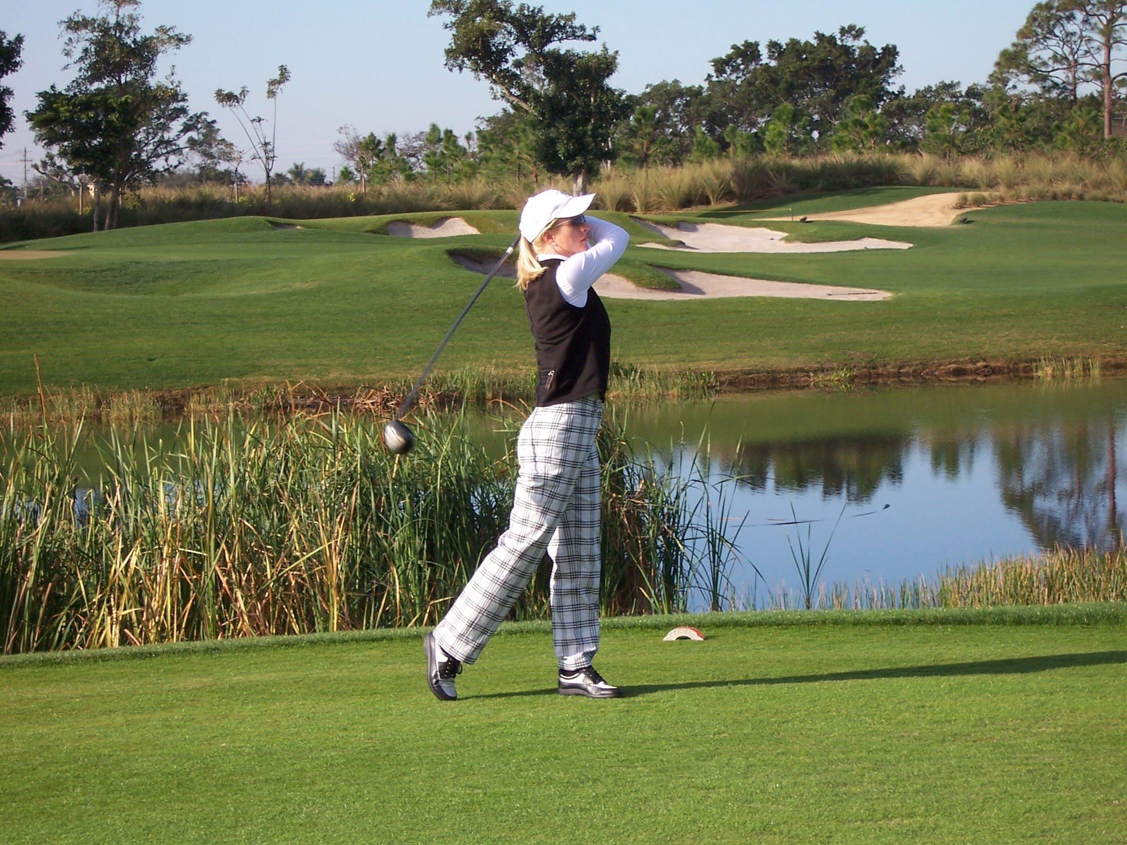 oldcours_golfer