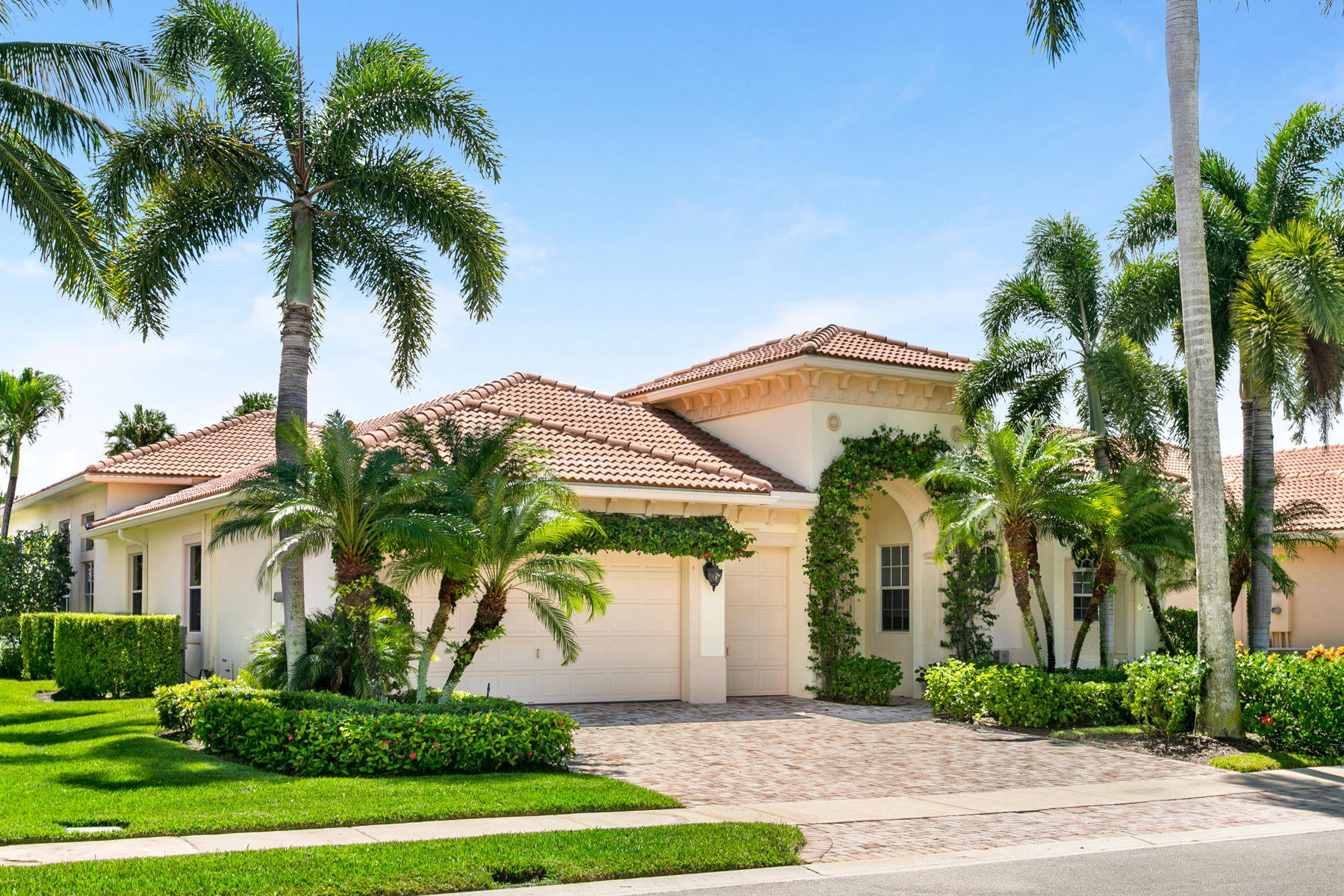 530 Les Jardin Drive, Palm Beach Gardens, Florida 33410, 4 Bedrooms Bedrooms, ,4.1 BathroomsBathrooms,A,Single family,Les Jardin,RX-10687748
