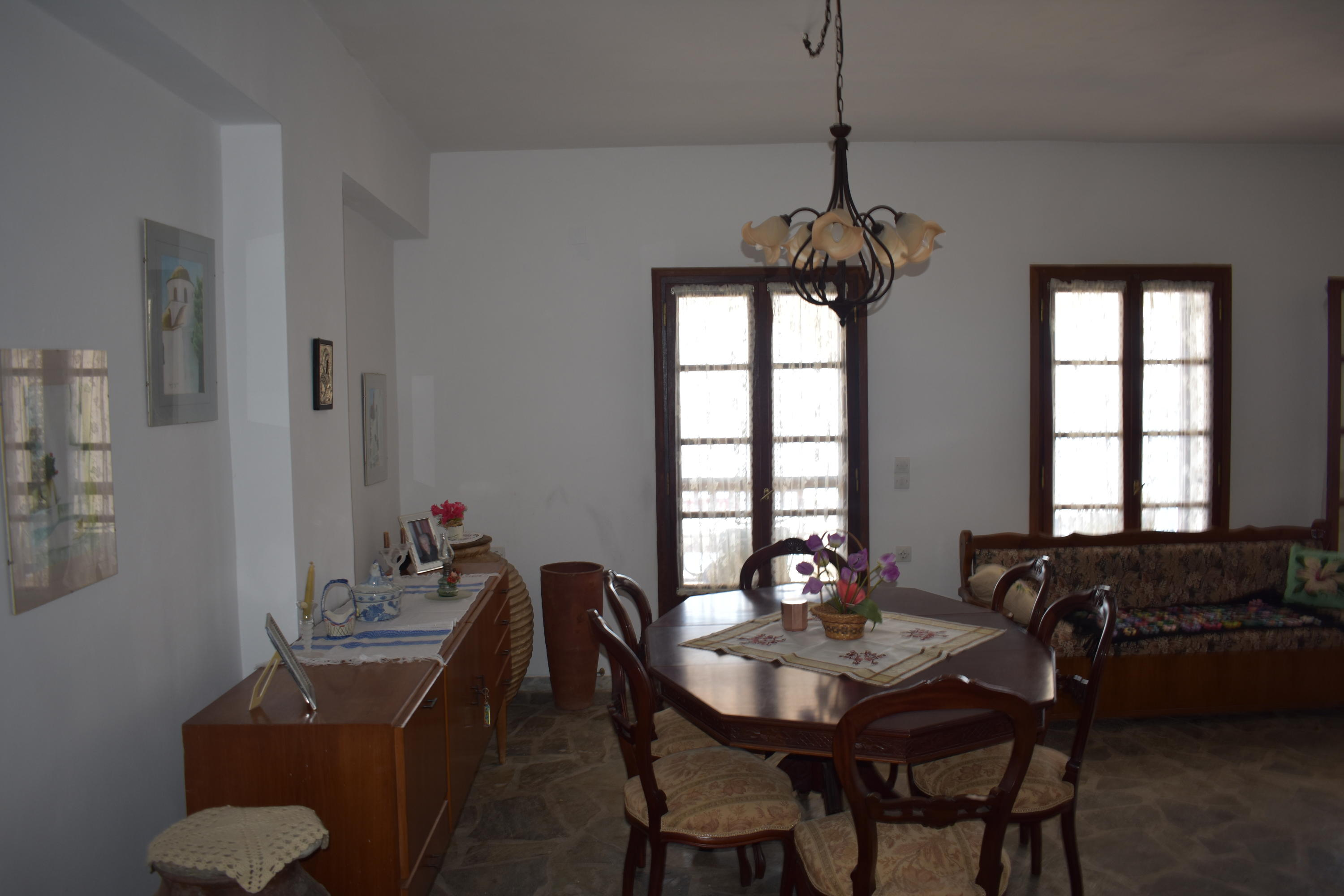 DR6 Dining Room 1st floor french doors t