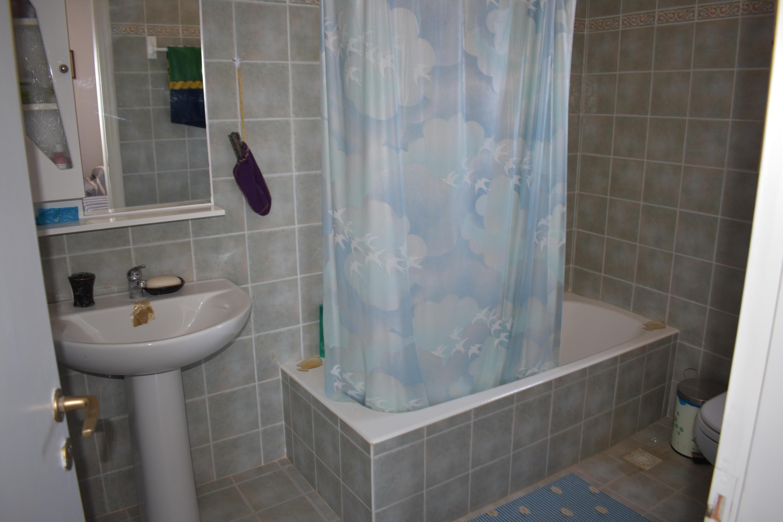 DR15 Bathroom 1st floor bedroom