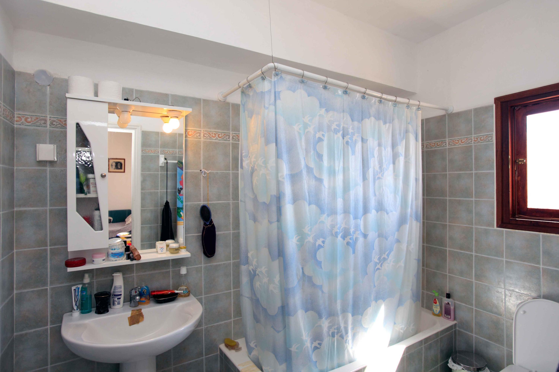 DR15a 2 MB Bath full tub - 1st Floor
