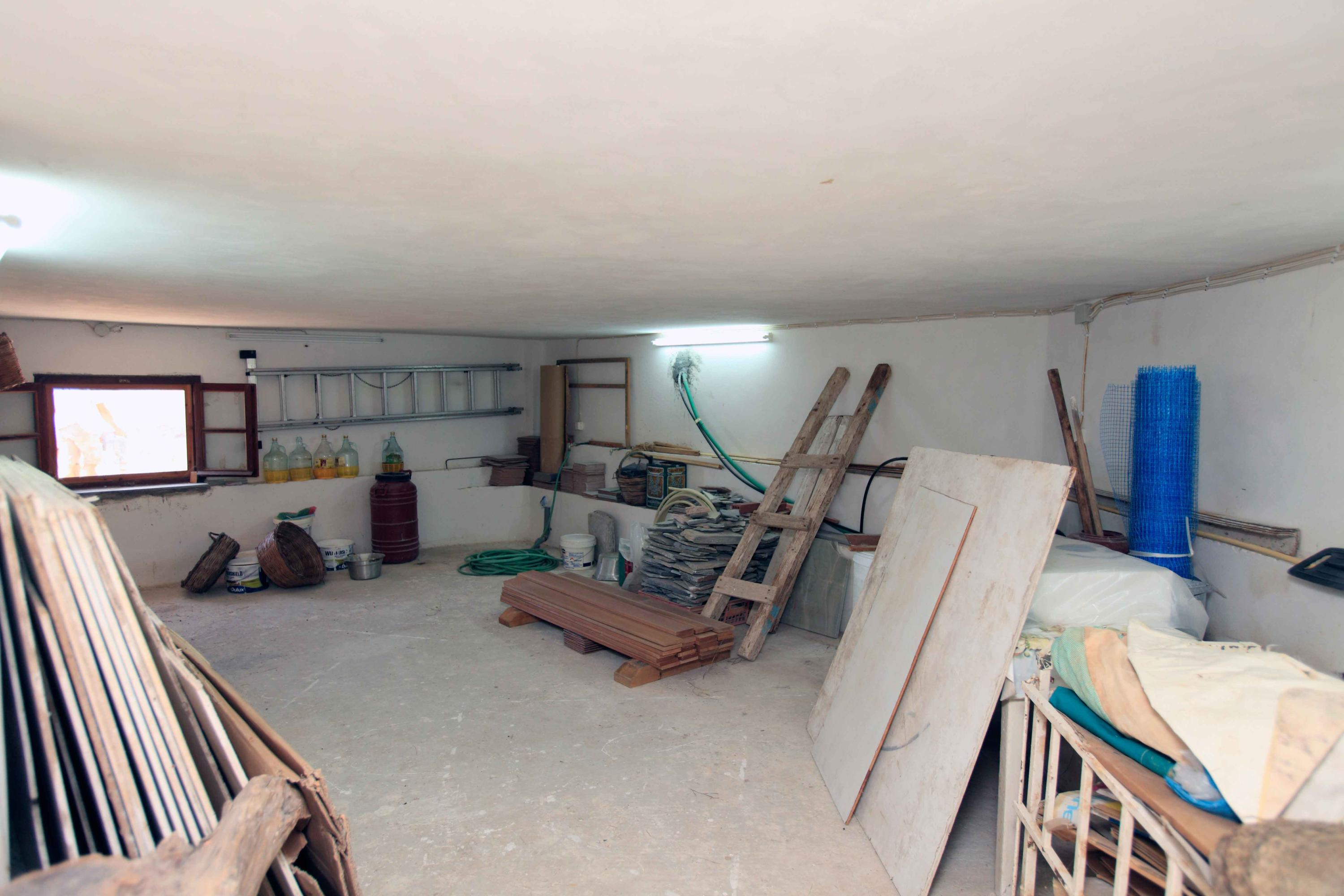 Garage-Storage Area for Vehicle or Boat-