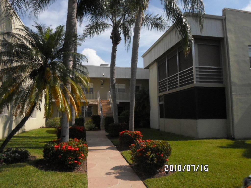 Home for sale in Kings Point Golf & Country Club Delray Beach Florida