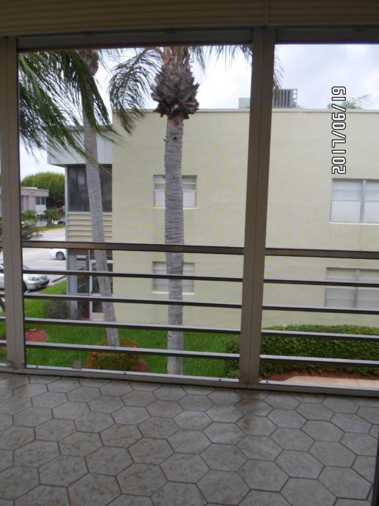 326 Capri G Delray Beach, FL 33484 photo 9