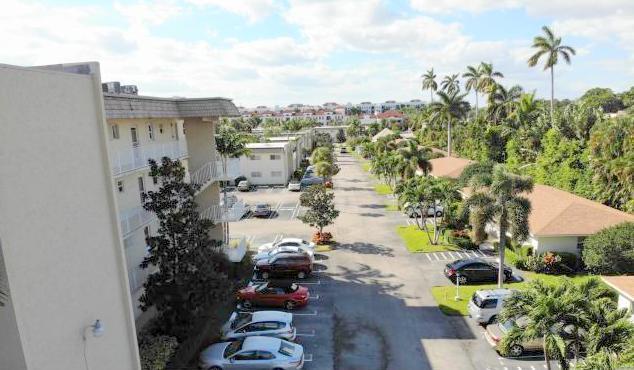 Home for sale in Snug Harbor Gardens Boynton Beach Florida