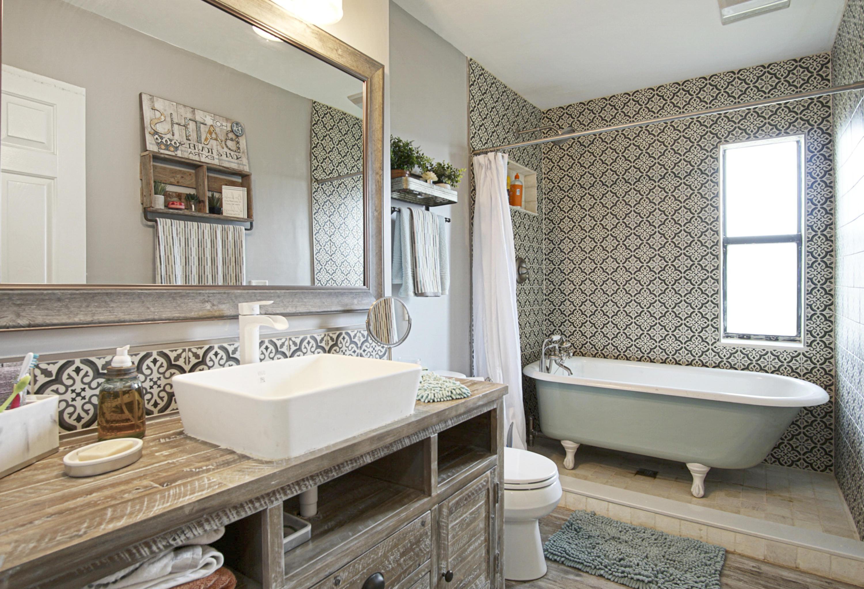 guest bath claw foot tub