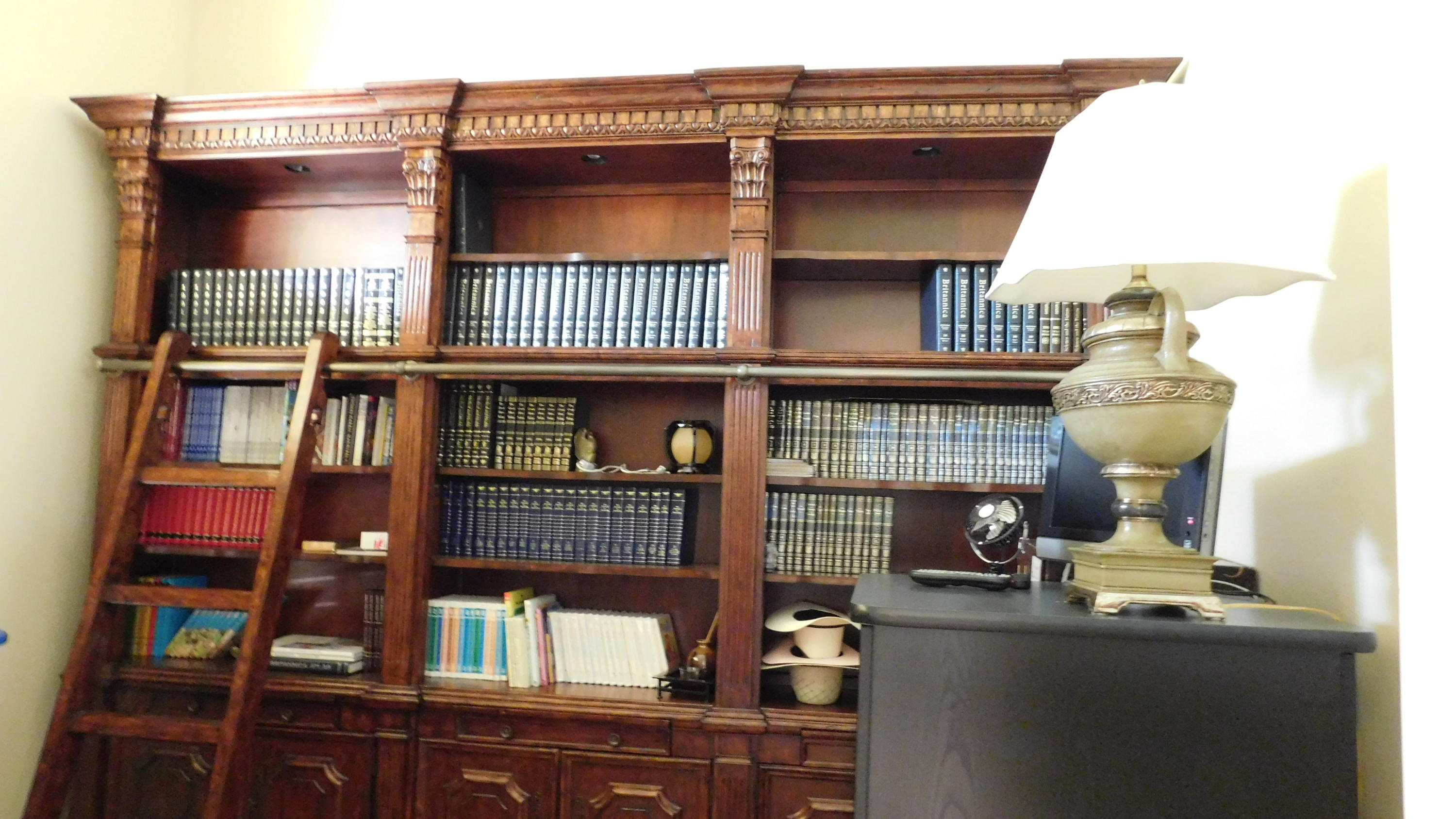 LIBRARY/OFFICE