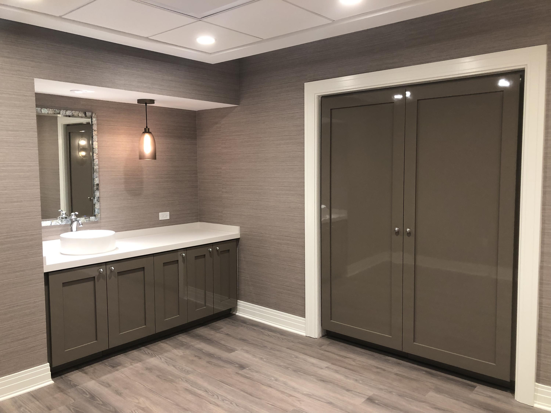 Treatment Room gray
